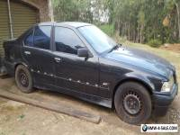 E36 BMW 318i   Easy repair or parts